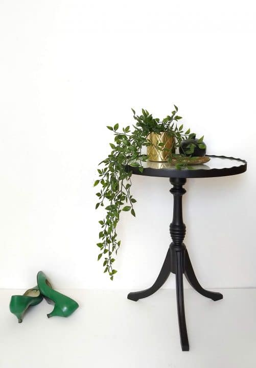 Francis: Table, side view