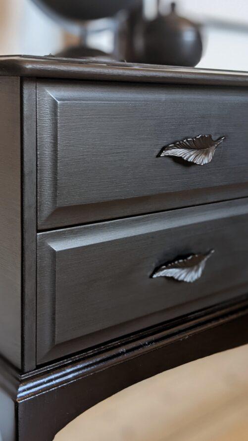 Raven drawers left